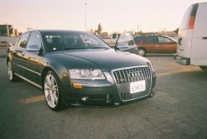 Gray Audi V-10